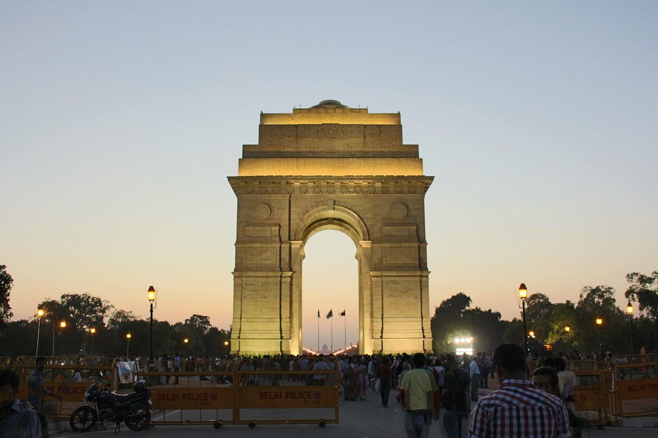 places to visit in delhi on monday